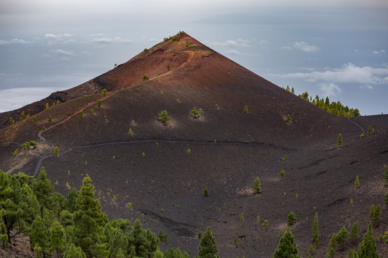 volcanoes trek canary la palma ionescu vlad