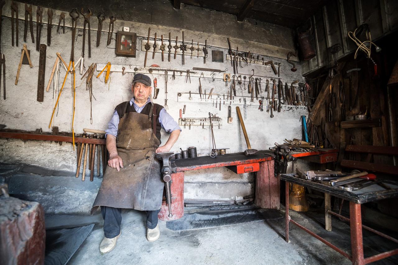 blacksmith sibiu Transylvania photographer ionescu vlad