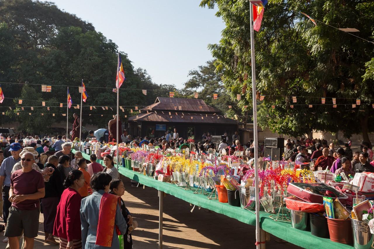ionescu vlad photographer myanmar bagan ananda festival travel14
