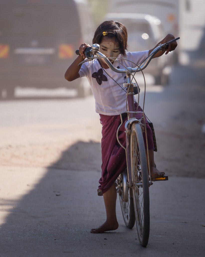 ionescu vlad photographer myanmar bagan ananda festival travel4