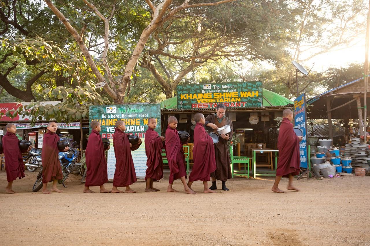 ionescu vlad travel photographer myanmar burma bagan2