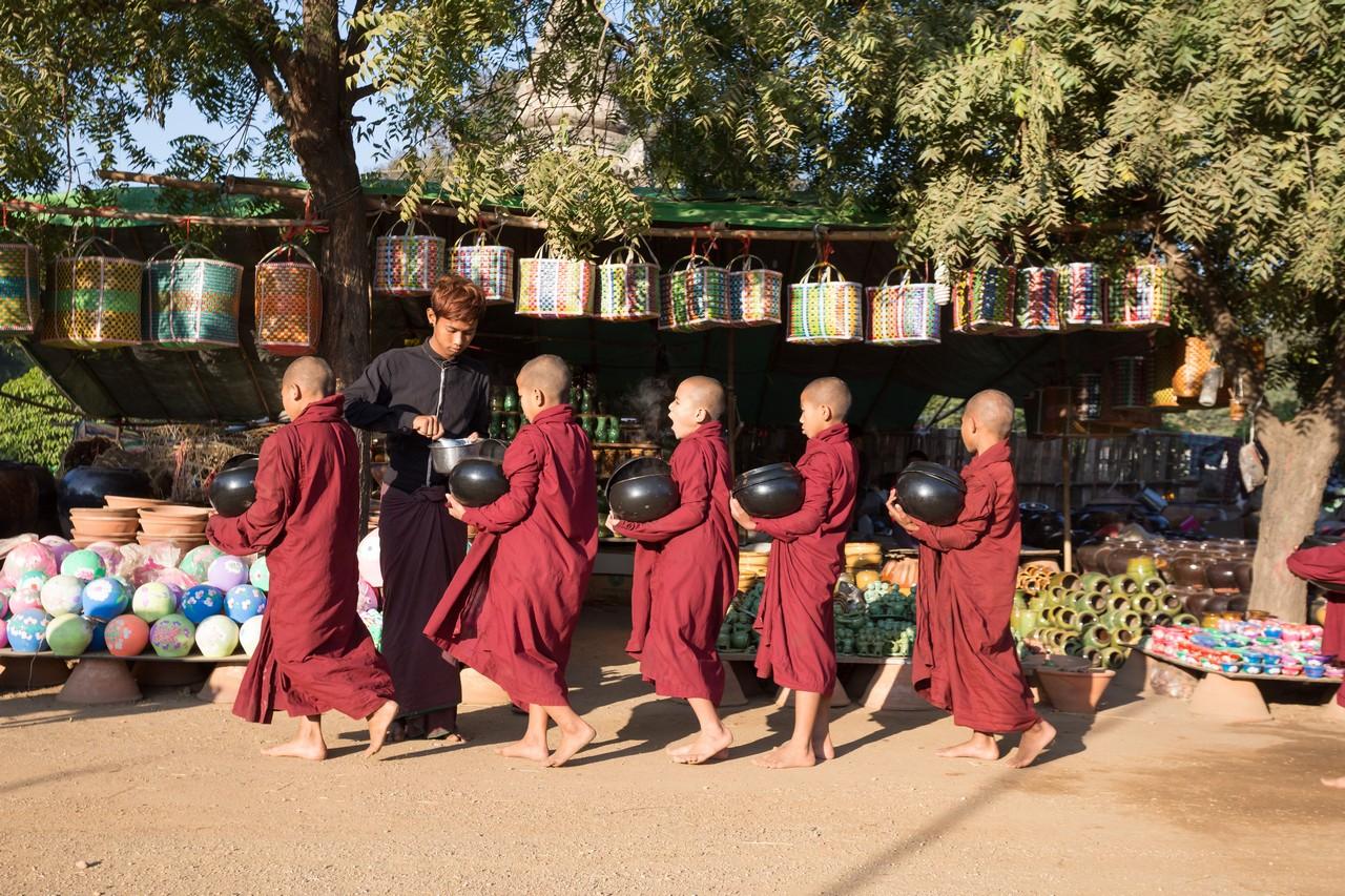 ionescu vlad myanmar burma bagan ananda festival20