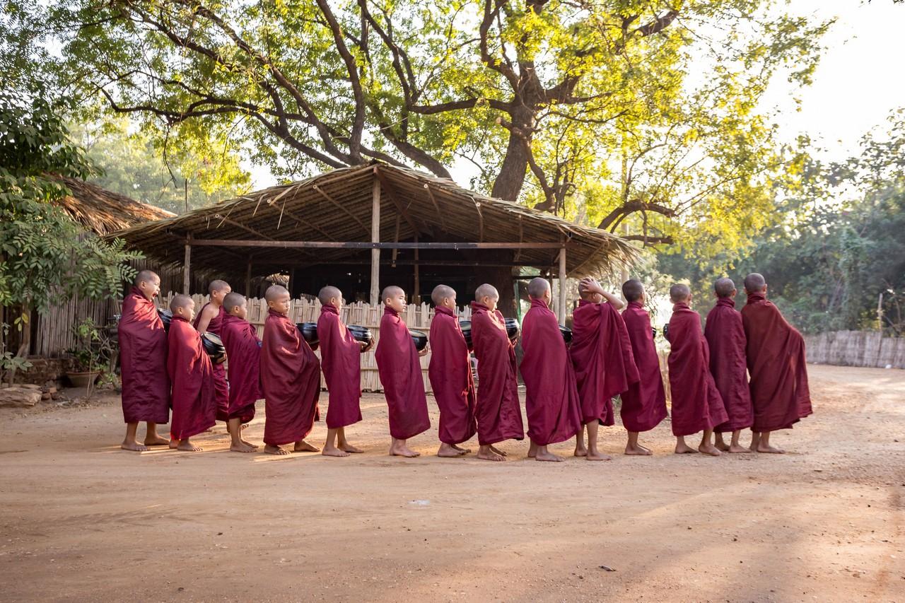 ionescu vlad myanmar burma bagan ananda festival17
