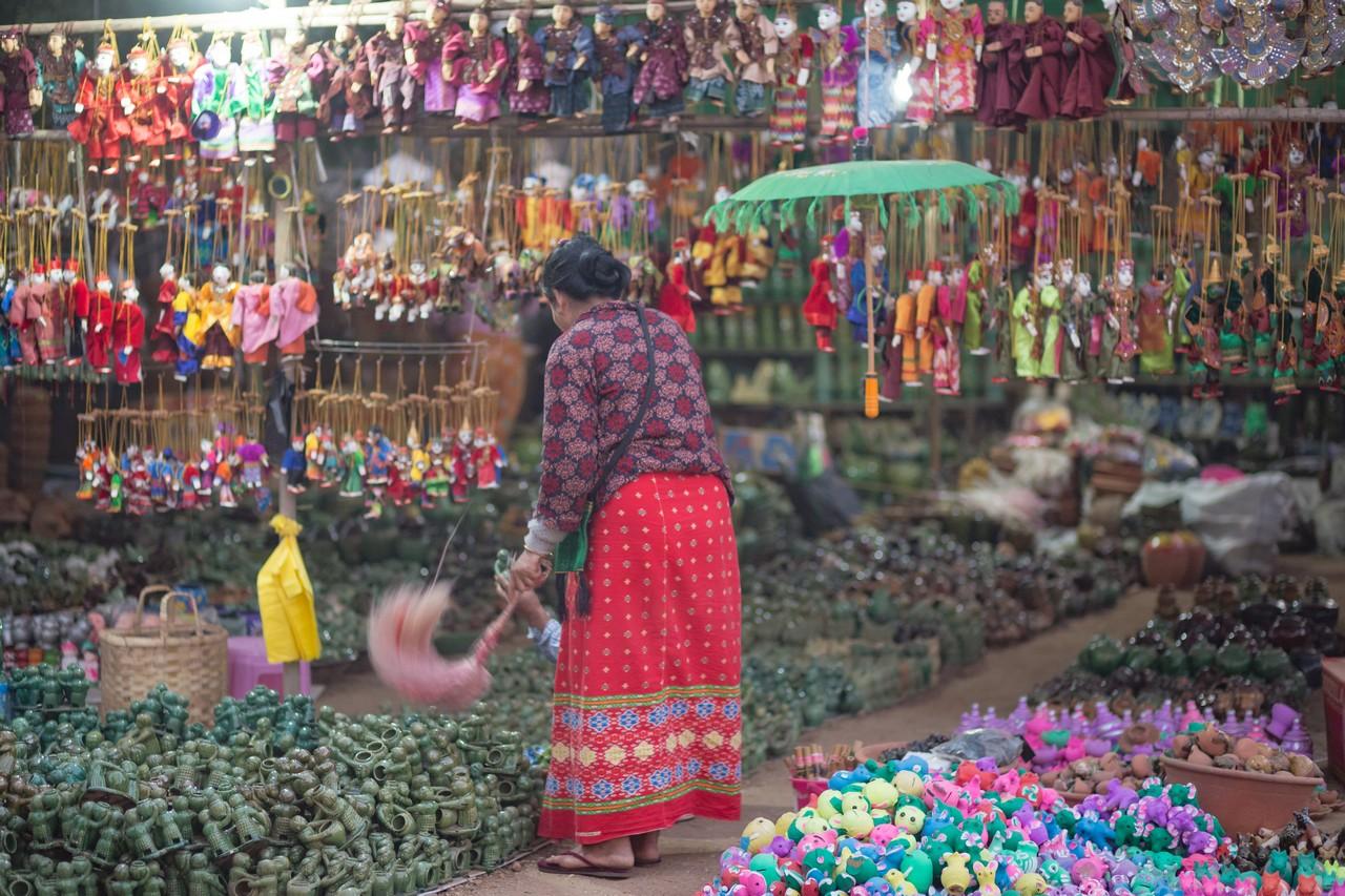 ionescu vlad myanmar burma bagan ananda festival6
