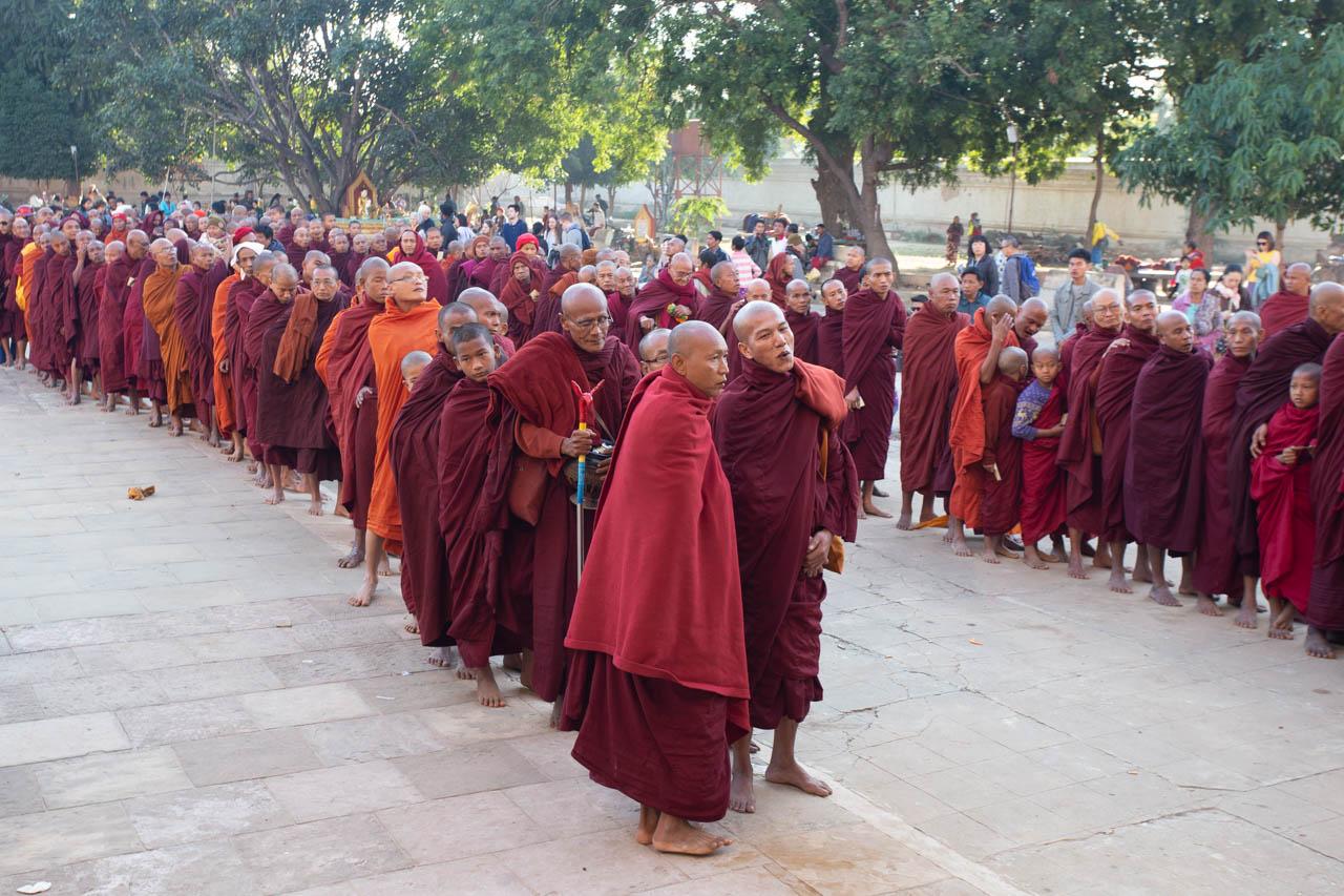 Vlad-Ionescu-Ananda-Festival-Myanmar-102